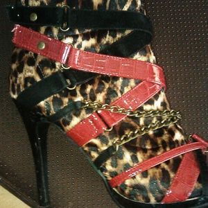 Sz 6 1/2 wedged heels